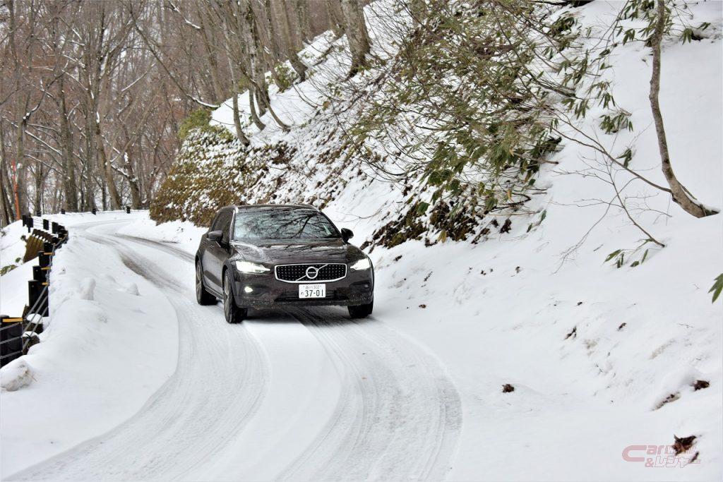 ボルボ・V60クロスカントリーの雪上試乗
