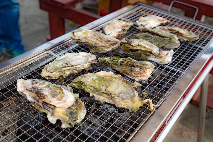 牡蠣を食材にしたバーベキュー
