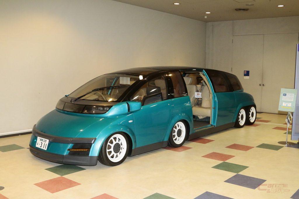 電気自動車KAZ