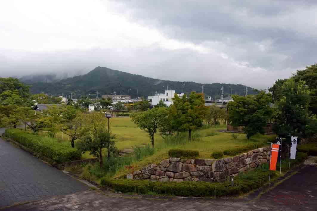 市民の憩いの場、舞鶴公園