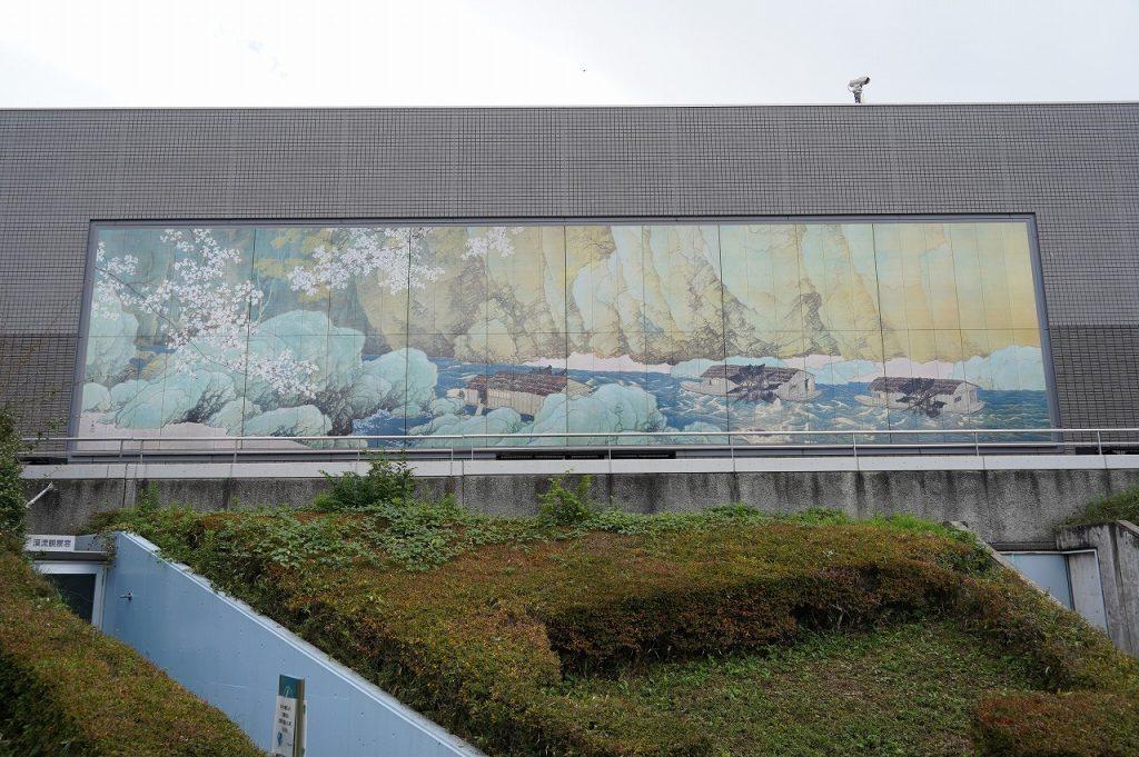 日本一の大陶版画「行く春」
