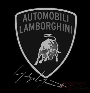 ランボルギーニのエンブレムとヨウジヤマモトのサイン