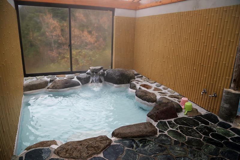 場内には無料の展望風呂も完備されている