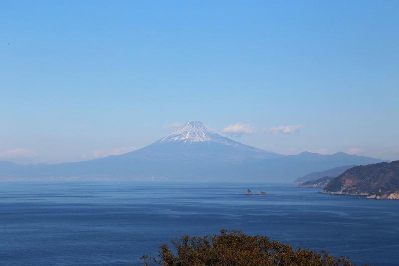 晴れた日には美しい富士山も眺められる