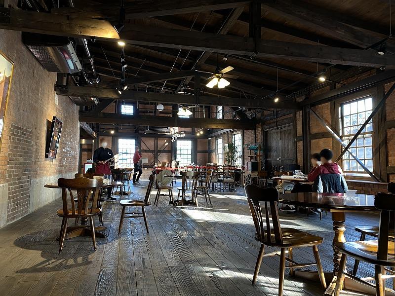 カブトビールの製造工場だった半田赤レンガ建物は、現在はカフェ&ビアホール「Re-BRICK」と展示室として生まれ変わった