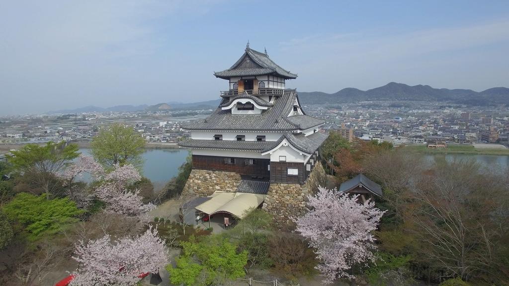 犬山城は天守閣まで登れる国宝として親しまれている